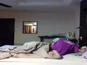 คลิปโป๊xxxหลุดเด็กวัยรุ่นตั้งกล้อง พ่อแม่ไม่อยู่บ้านแอบพาสาวมาเย้อถึงห้องนอน อย่างเด็ด
