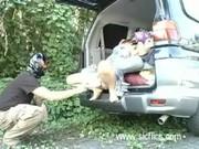 จอดรถแวะล้วงหีเมียกลางป่า xxxยัดเข้าไปทั้งมือ น้ำหีแตกเต็มขนเลยคับ