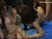 หนังโป๊ญี่ปุ่น สองสาวหุ่นอึ๋มโดนหนุ่มหื่นฉุดมาอึบxxx สวิงกิ้งในตึกร้าง เย็ดกันนัวเนียมันส์มาก ครางลั่นเลยครับ
