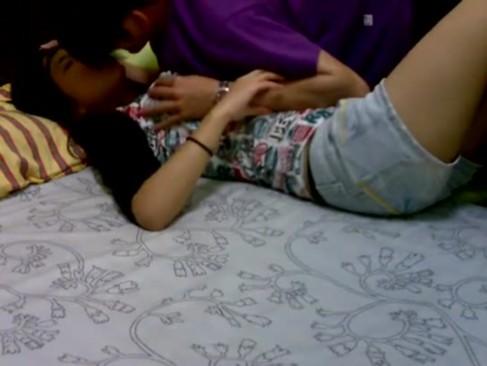 หลุดวัยรุ่นสาว เกาหลี นอน เสียวหี โดน ผัว เย็ดสด เงี่ยนเลยครับ จัดไปอย่างเด็ดครับ