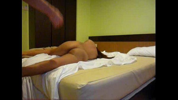 คลิปแอบถ่ายในโรงแรม สาววัย 18+ โดนพามาเย็ดถึงห้อง บอกเลยว่าเย็ดท่าหมาร้องไม่หยุด