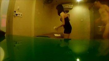 Hot masseuse สาวหมอนวดสปาพร้อมโดนเย็ดด้วยเลยโดนลูกค้าเล้าโลมจนหีแฉะ จับกระเด้าหีคาห้องนํ้าเย็ดในอ่างเด็ดมาก