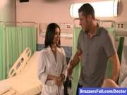 พาเมียมาคลอดลูก แต่เจอพยาบาลสาวจอมเงี่ยน งัดควยออกมาให้โม๊ก ลีลาสุดๆเลย