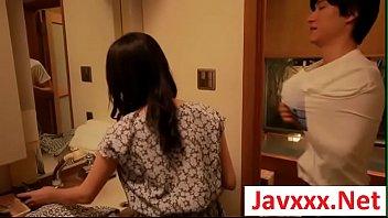 หนังโป้Jav online ผัวเมียเย็ดกันโลมเลียถึงใจวัยรุ่นอย่างสุดๆ เริ่มต้นเล้าโลมอมควยแล้วหยุดไม่ได้ไปต่อที่การเย็ด